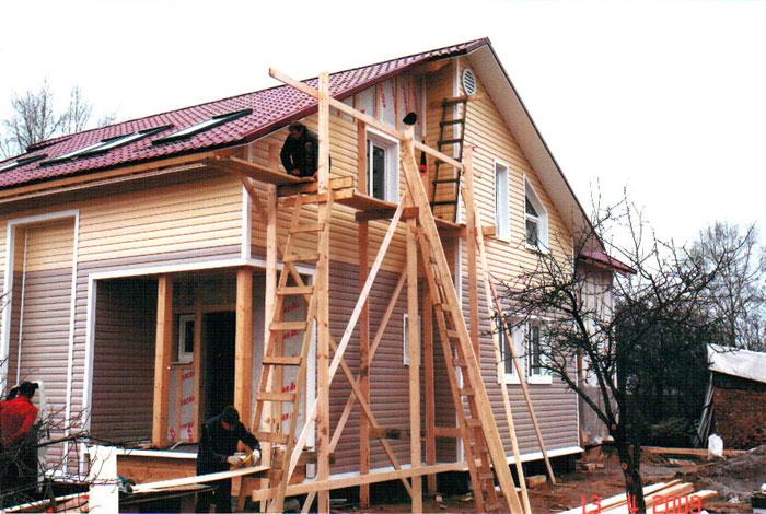 Обшить деревянный дом сайдингом своими руками видео