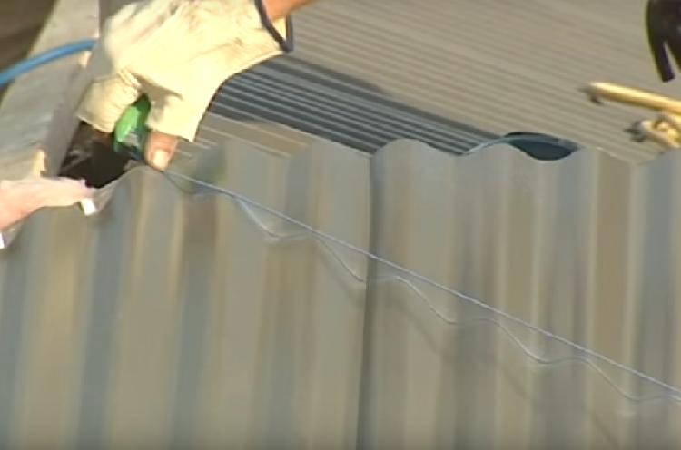 Как утеплить крышу из профнастила - важные основы