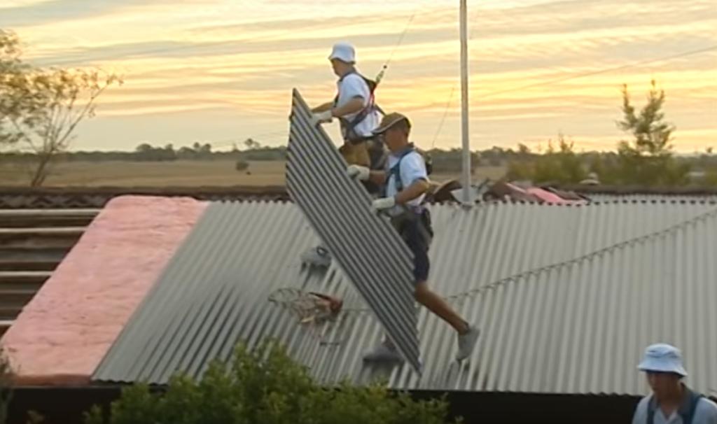 Как утеплить крышу из профнастила - советы опытных строителей