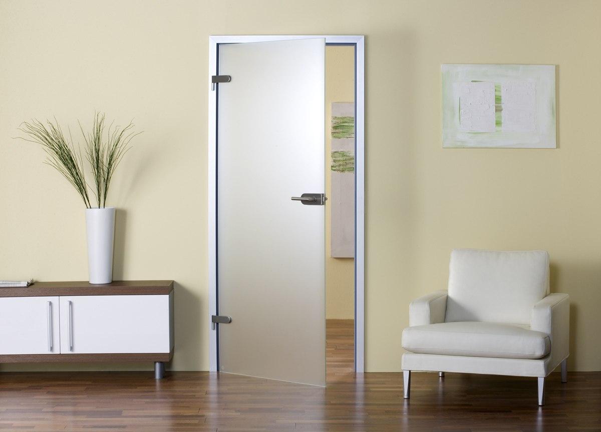 Kak-ustanovit-razdvizhnye-stekljannye-dveri-svoimi-rukami8.jpg