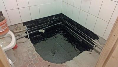 """Угол помещения, обработанный """"жидкой резиной"""""""