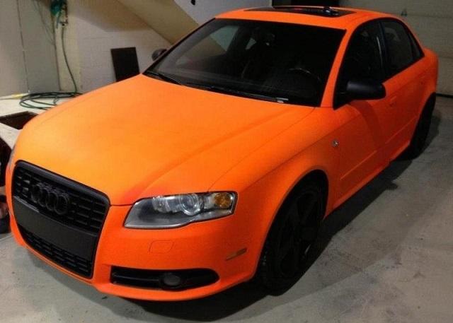 Кузов автомобиля, покрашенный цветной жидкой резиной