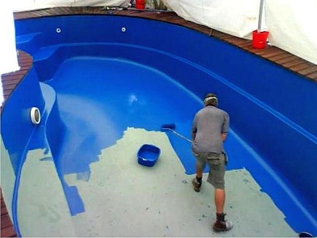 Гидроизоляция бассейна путем нанесения жидкой резины окрашиванием